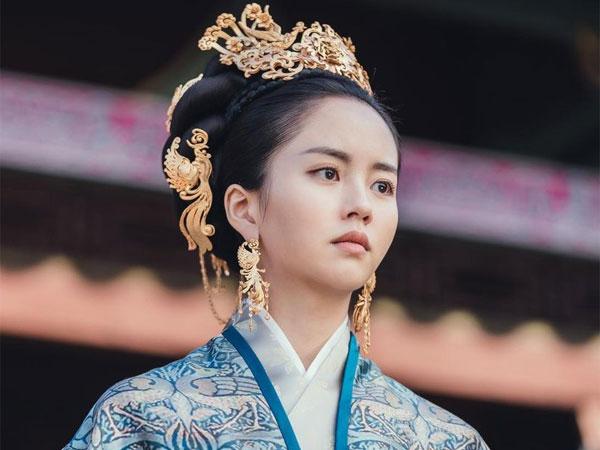 Transformasi Kim So Hyun Jadi Ratu dan Ibu Muda di 'River Where the Moon Rises'
