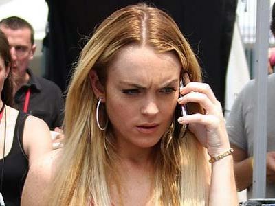 OMG, Lindsay Lohan Dipukul Pria