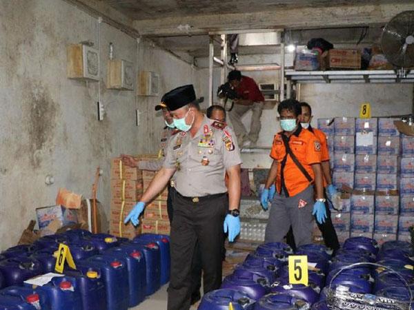 Ini Dia Penampakan 'Big Boss' Pemilik Bunker Pabrik Miras Oplosan yang Buat Mati 45 Orang