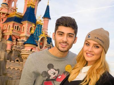 Beri Kejutan Untuk Ultah Zayn Malik, Perrie Edwards Ajak Liburan ke Disneyland Paris