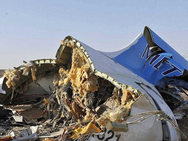 Sebelum Jatuh di Mesir, Pesawat Rusia Terbelah Dua