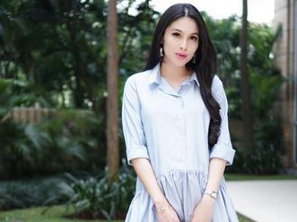Sandra Dewi dan Sahabat Seru-Seruan Baby Shower Pakai Piyama
