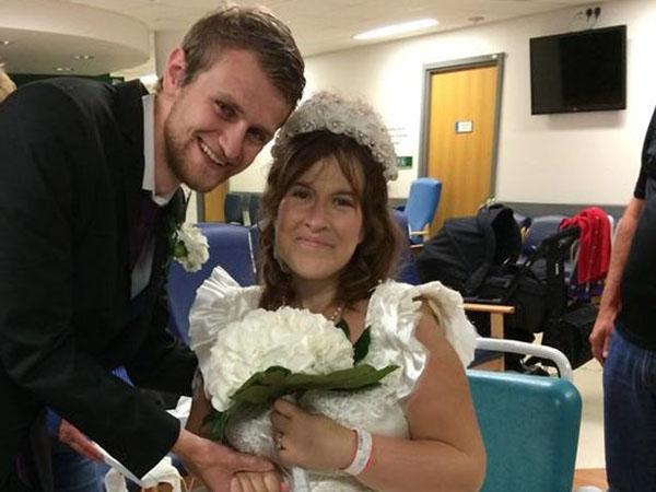 Hanya Diberi Waktu Hidup 48 Jam, Wanita Ini Menikah di Ruang Tunggu Rumah Sakit