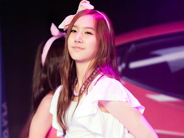 Ayah Yookyung Kembali Klarifikasi Rumor Negatif Terkait Keluarnya Sang Anak dari A Pink