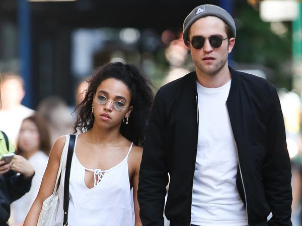 Tunda Pernikahan, Hubungan Robert Pattinson dan FKA Twigs Renggang?