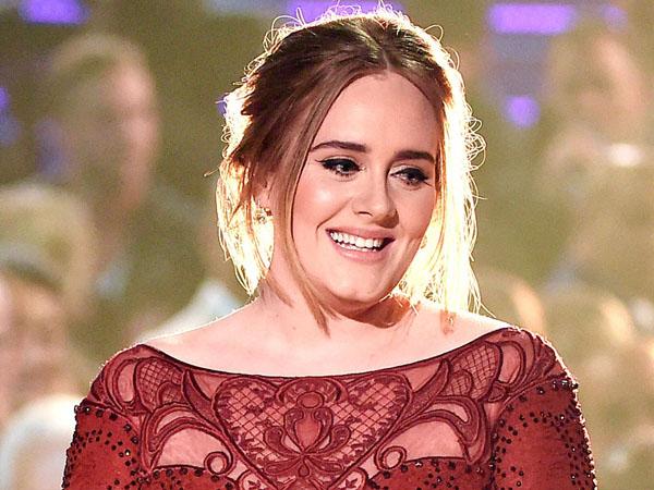 Usai Hamil, Adele Ngaku Tumbuh Janggut di Wajahnya