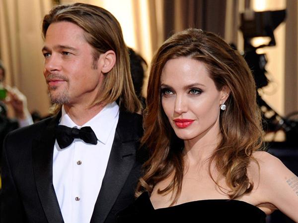 Naik Motor, Brad Pitt Kepergok Datangi Rumah Angelina Jolie