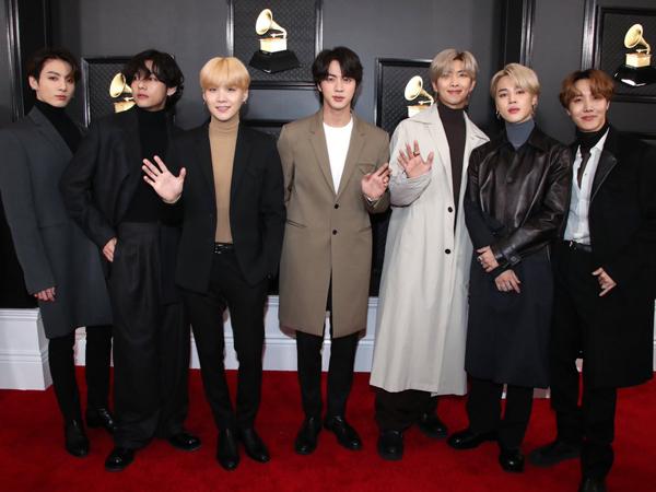 Beda Gaya BTS di Red Carpet dan Panggung Grammy Awards