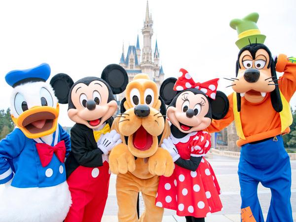 Tokyo Disneyland Kembali Dibuka, Ini yang Harus Dilakukan Pengunjung