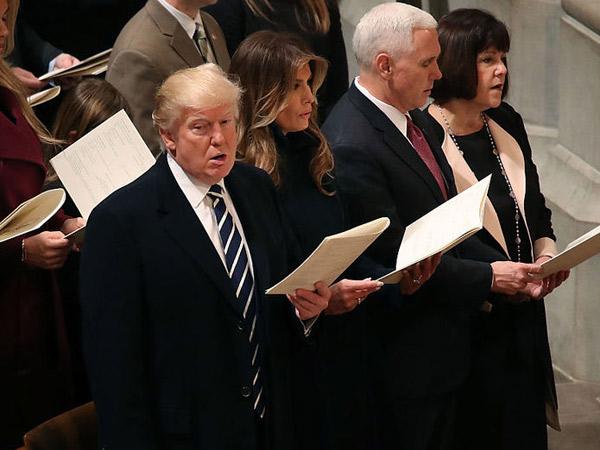 Begini Reaksi Donald Trump Saat Mendengarkan Lantunan Ayat Al Quran di Momen Pelantikannya