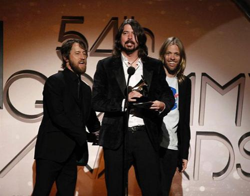 Foo Fighter Sukses raih Best Rock Performance