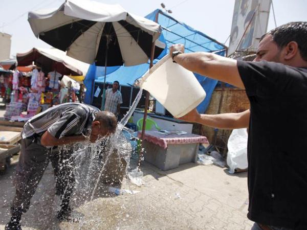 Cuaca Ekstrem Landa Timur Tengah, Suhu Iran Capai 73 Derajat Celcius!