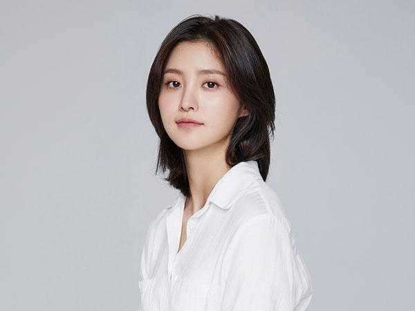 Jeonghwa EXID Jadi Pusat Kisah Cinta Segitiga di Film Aksi Terbaru