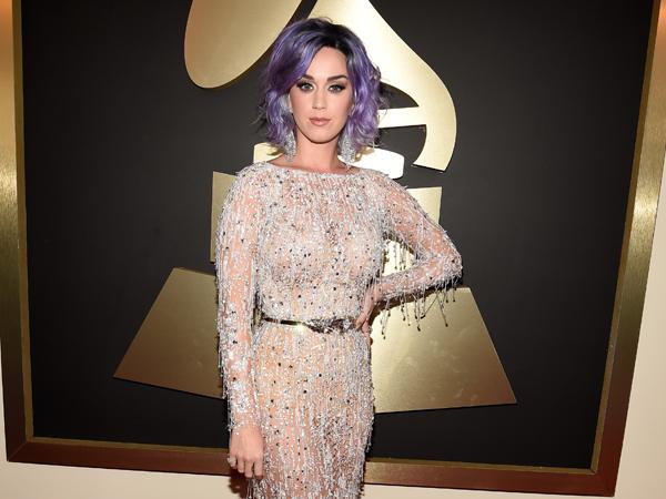 Gagal Dapat Trofi, Katy Perry Unfollow Akun Twitter Grammy Awards 2015?