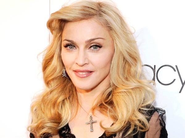 Simak Kebahagiaan Baru Madonna dengan Puteri Kembar Adopsinya dari Malawi
