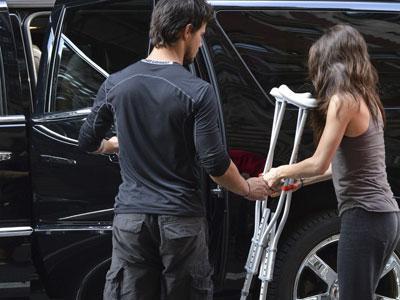 Taylor Lautner Terjebak Cinlok dengan Lawan Mainnya