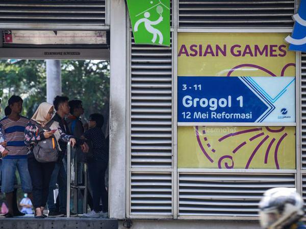 Deretan Hal yang Sebaiknya Tidak Dilakukan Saat Naik Transjakarta