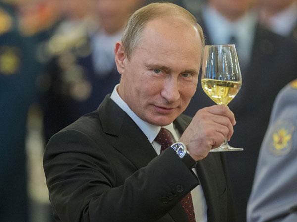 Vladimir Putin Menang Telak dan Dipastikan Pimpin Rusia Selama 24 Tahun!