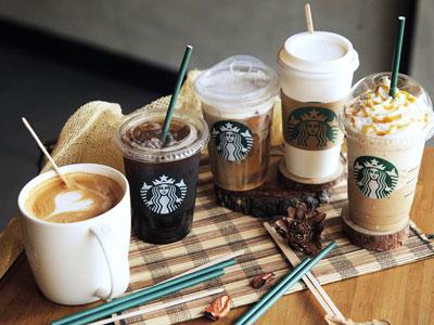 Starbucks Tidak Akan Lagi Menggunakan Sedotan Plastik