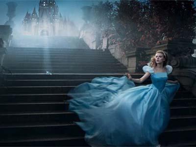 Wow, Cinderella Tampilkan Teaser 'Berkilau' di Versi Filmnya!
