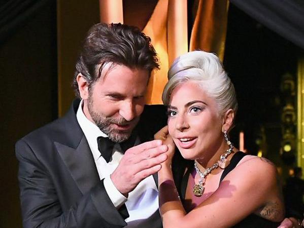 Heboh, Lady Gaga Disebut Mengandung Anak Bradley Cooper!