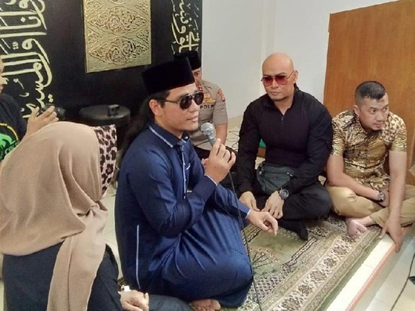 Ucap Kalimat Syahadat, Deddy Corbuzier Resmi Jadi Mualaf