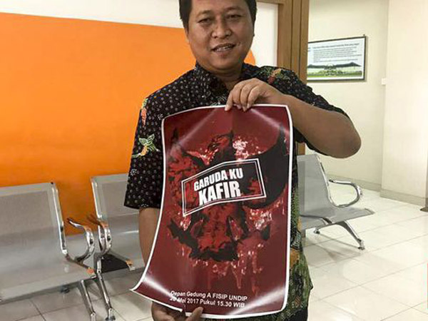 Oknum Tak Dikenal Pajang Poster 'Garudaku Kafir' di Universitas Diponegoro