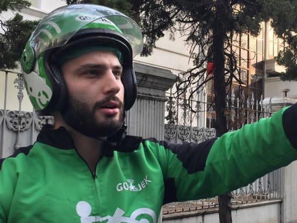 Terungkap Identitas Driver Go-Jek Bule yang Viral Bikin Netizen 'Baper'