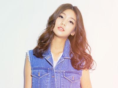 Ini Dia Model Cantik yang Akting Bareng Chanyeol EXO di MV Terbaru K.Will