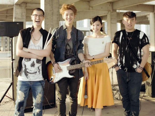 Di Tengah Kasusnya dengan SM Entertainment, Film Debut Luhan Rilis Teaser Foto Perdananya!