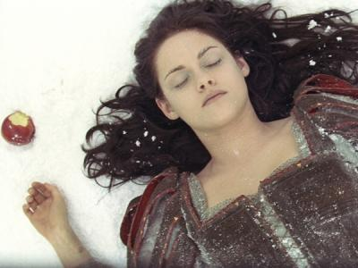 Sukses Besar Snow White and the Huntsman