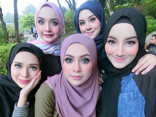 Ternyata Ini Kunci Dandanan Yang Pas Untuk Wanita Pemakai Hijab!