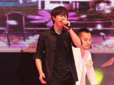 Satu Kata Untuk Fan Meeting Lee Seung Gi: DAEBAK! (Part II)