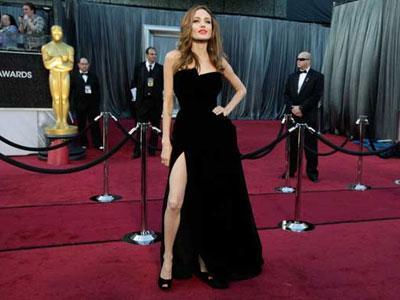 Angelina Jolie Akan Dapat Penghargaan Khusus Oscar