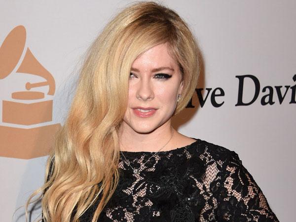 Lama Vakum, Avril Lavigne Siap Rilis Album Baru Tahun Ini!