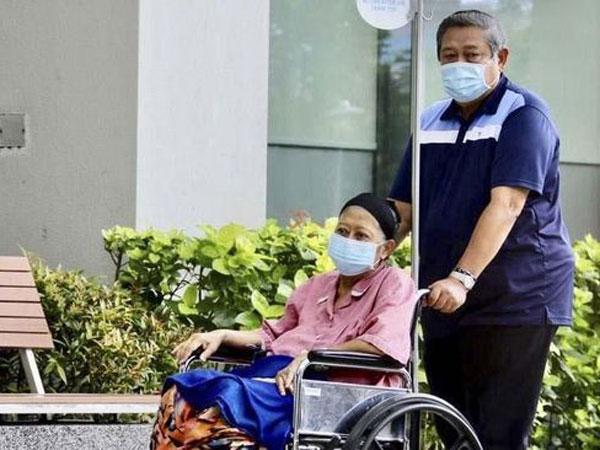 Ibu Ani Yudhoyono Dilaporkan Perwakilan Partai Demokrat Tak Sadarkan Diri