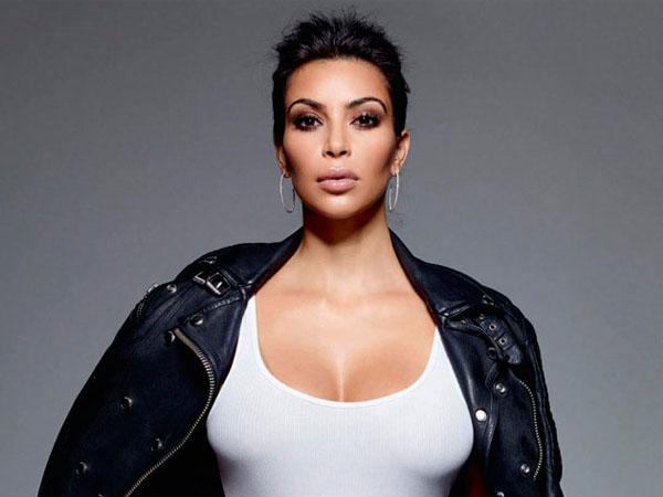 Kim Kardashian Hamil Anak Kembar?