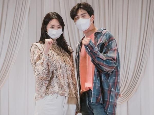 Potret Perdana Shin Min Ah dan Kim Seon Ho dalam Pembacaan Naskah Drama Baru