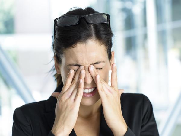 Posisi Tidur dan Hal Lainnya yang Bisa Jadi Penyebab Penglihatan Mulai Kabur