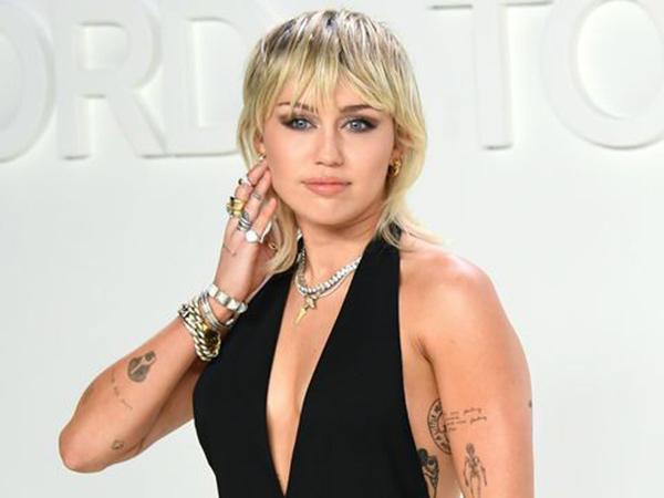 Miley Cyrus Bicara Soal Keperawanan, Singgung Liam Hemsworth