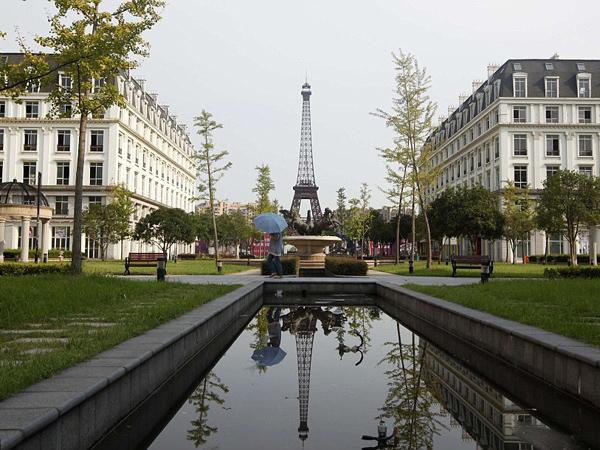 Habiskan Dana Milyaran, Kota Paris KW China Ini Malah Jadi Kota Hantu!