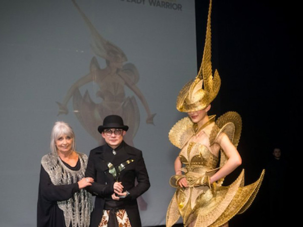 Rinaldy Yunardi Raih 3 Penghargaan World of WearableArt Award 2019