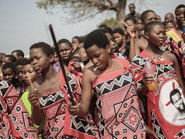 Miris, Puluhan Gadis Tewas Demi Ikuti Pemilihan Istri Baru Raja Swaziland