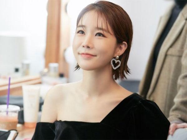 Yoo In Na Kembali Bantu Biayai Operasi Anak dengan Gangguan Pendengaran