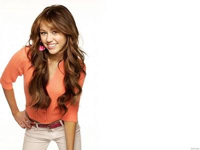 Miley Cyrus Akan Rilis Album Sebelum Pernikahannya