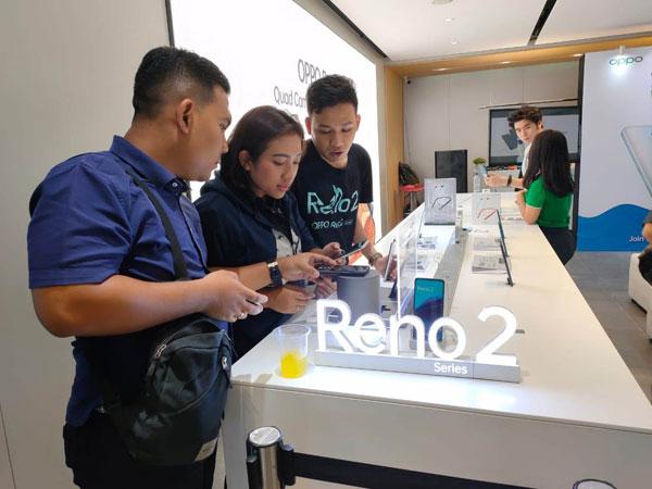 Lebih Murah dari Generasi Pertama, Oppo Gelar Penjualan Perdana Reno2 F