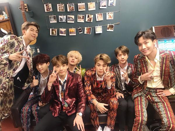 Congrats! BTS Menangkan 'Favorite Social Artist' di American Music Awards 2018