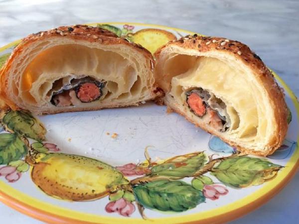 Begini Jadinya Jika Sushi 'Dikawinkan' dengan Croissant yang Gurih