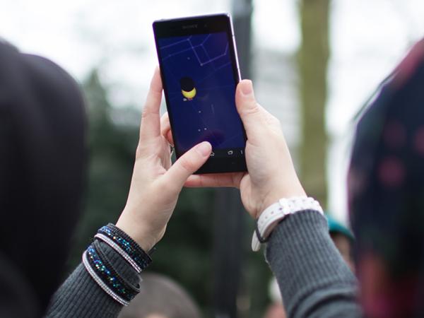 Bisa Rusak Kamera, Hindari Foto Gerhana Matahari dengan Ponsel Secara Langsung
