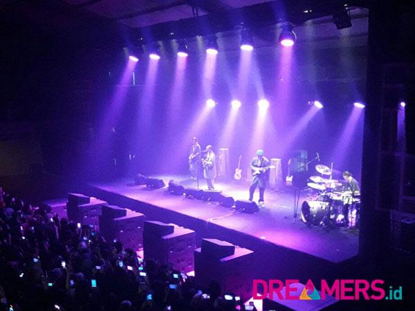 Hyukoh Suguhkan Pertunjukkan Musik Berkelas di Konser 'Hyukoh Live in Jakarta'